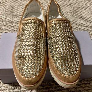 Donald J Pliner Flat & Loafers